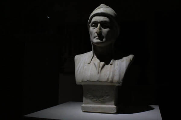 The Heist Room at Escape Rooms Cardiff - bust of Dante Alghieri